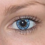 Elegance aqua v detailu na původní barvě očí hnědé