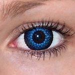 Eyelush aqua v detailu na původní barvě očí hnědé
